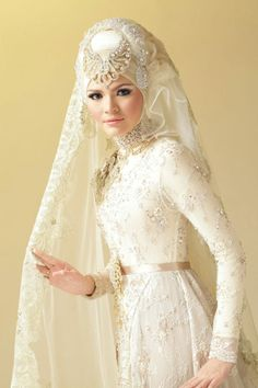 love the dress, with more simple veil. Hijabi Wedding, Muslim Wedding Dresses, Muslim Dress, Wedding Bride, Wedding Wear, Bridal Hijab, Hijab Bride, Bridal Gowns, Wedding Gowns