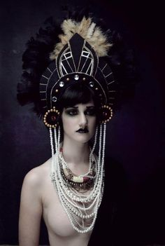 Gorgeous art deco headdress. *Swoon*