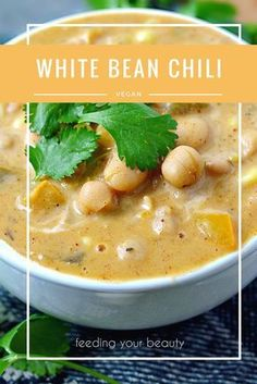 Healthy White Bean Chili - Vegan, Oil-Free, Gluten Free Our weather has been a bit indecisive lately. Do I want to rain, or do I want to snow? Do I want to be degrees or a rather balmy It decided to be the latter yesterday, right before it raine… Vegan Soups, Vegan Dishes, Vegan Vegetarian, Vegetarian Recipes, Healthy Recipes, Healthy Moms, Vegan Bean Soup, Vegan Bean Recipes, Raw Vegan