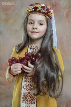 Տարազով երեխա | child in traditional dress Foto Atelier Marshalyan - Yerevan Armenia