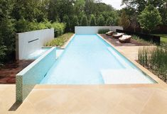 Love this pool, garden all around, light, bright, simple without being cold modern Piscina Interior, Garden Swimming Pool, Outdoor Pool, Pool Backyard, Modern Pools, Luxury Pools, Building A Pool, Small Pools, Custom Pools