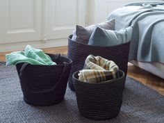 Nature in your hands. The Maglia bags by Ruckstuhl are real eye-catchers while being ecological.  Natur in der Hand. Die Maglia- Taschen von Ruckstuhl sind ein echter Blickfang - und ökologisch zugleich. Laundry Basket, Wicker, Home Decor, Nature, Totes, Room Decor, Home Interior Design, Bathroom Laundry Hampers, Home Decoration
