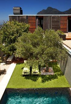 Casa inteligente: Desde el techo del garaje se tiene una espectacular vista de la piscina.