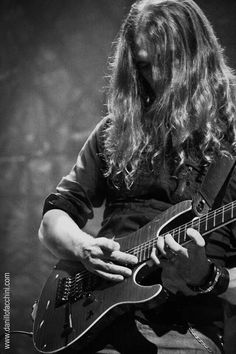 Kiko Loureiro, New Megadeth guitarist
