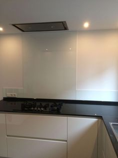 www.loomanskeukens.nl Wave Design, Flat Screen, Kitchen Cabinets, Home Appliances, Home Decor, Blood Plasma, House Appliances, Decoration Home, Room Decor