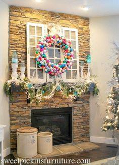 A colorful Christmas Wreath idea... ornament wreath. Homemade Christmas Decorations, Diy Christmas Ornaments, Christmas Projects, Christmas Holidays, Prim Christmas, Vintage Ornaments, Christmas Ideas, Holiday Wreaths, Holiday Crafts