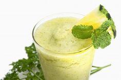 Groen, gezond, goed! Deze smoothie smaakt geweldig en helpt je om slank en fit te worden en te blijven!