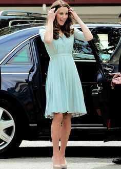 Love this dress! She's definitely one of my top celebrity style crushes