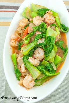 Filipino - Sauteed Bok Choy with Shrimp is a simple recipe that involves baby bok choy. This vegetable is somewhat similar to a vegetable known as pechay in the Philippines – thus this dish can be considered as a variation of ginisang pechay. Shrimp Dishes, Shrimp Recipes, Fish Recipes, Asian Recipes, Healthy Recipes, Shrimp Soup, Simple Recipes, Boy Choy Recipes, Filipino Shrimp Recipe
