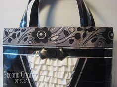 UPDATE 4/28/2013: If you would like to view a step-by-step tutorial of a simple, fabric-lined duct tape purse, visit my youtube channel. ...