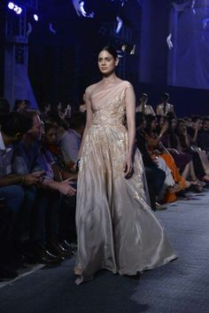 Manish Malhotra's new collection Manish Malhotra, Indian Designer Outfits, Formal Dresses, Collection, Style, Fashion, Dresses For Formal, Swag, Moda