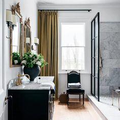 Maison Tudor, Bathroom Inspiration, Interior Inspiration, Tadelakt, Neutral Color Scheme, Up House, Bathroom Trends, Bathroom Ideas, Bathroom Interior Design