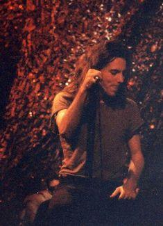 Eddie Vedder / oh jummm in het kwadraat. Ed Vedder, Pearl Jam Posters, Jeff Ament, Matt Cameron, Pearl Jam Eddie Vedder, Chris Cornell, Fine Men, My Favorite Music, Music Bands