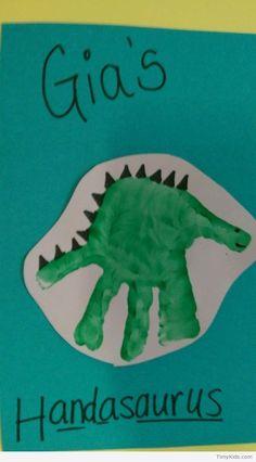 Birthday crafts for toddlers handprint art super ideas Toddler Art, Toddler Crafts, Crafts For Kids, Children Crafts, Infant Toddler, Easy Crafts, Dinosaurs Preschool, Preschool Crafts, Dinosaur Crafts For Preschoolers