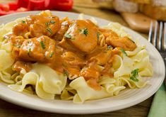 Traditional Hungarian Recipe: Chicken Paprikash It's always good to have a new stew recipe to enjoy! Today we're sharing a recipe straight out of Hungary: chicken paprikash. Unlike a gulyas, which is. The Chew Recipes, Dinner Recipes, Cooking Recipes, Pasta Dishes, Food Dishes, Main Dishes, Spaetzle Recipe, Chicken Paprikash, Chicken Dumplings