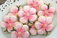 Cherry Blossom cookies by Clough'D 9 Flower Sugar Cookies, Blossom Cookies, Tree Cookies, Easter Cookies, Fancy Cookies, Cut Out Cookies, Cookie Frosting, Royal Icing Cookies, Cupcakes