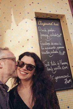 Fun couple photos in Le Marais, by TripShooter Paris photographer Jade Maitre.