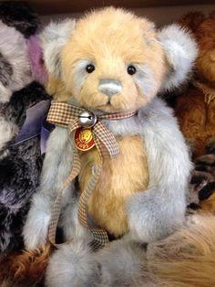 I love charlie bears!