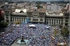 ¡Fuera los corruptos! Otra manifestación exigirá la renuncia del presidente de Guatemala - http://lea-noticias.com/2015/08/29/fuera-los-corruptos-otra-manifestacion-exigira-la-renuncia-del-presidente-de-guatemala/