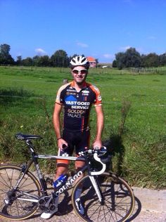 Niels Albert back on the bike