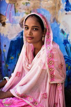 Portraits celebrate the diversity of Indian women, from the Mumbai slums to Bollywood (Courtesy of Mihaela Noroc)