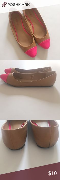 """Forever 21 Hot Pink Cap Toe Flats Cute and girlie cap toe flats. Perfect for summer. Good condition just a few scuffs at the heel (shown in picture). Size 8- True to size  *NO TRADES*                                                             ⭐️Use the """"Buy Now"""" or """"Add to Bundle"""" button for Purchasing. 10% off bundling available. ⭐️ Forever 21 Shoes Flats & Loafers"""