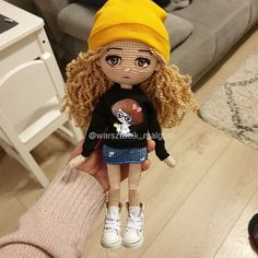 In this article we will share free amigurumi dolls crochet patterns. Everything about Amigurumi is what you're looking for. Crochet Doll Pattern, Crochet Patterns Amigurumi, Amigurumi Doll, Crochet Toys, Handmade Soft Toys, Crochet World, How To Start Knitting, Knitted Dolls, Diy Doll