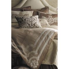 Lili Alessandra Velvet Champagne. I reeeeally want this bedding. But! I can't afford it.