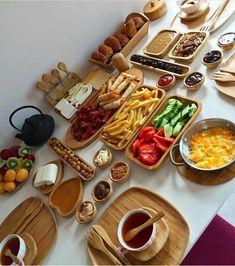 Turkish Breakfast, Good Food, Yummy Food, Cooking Recipes, Healthy Recipes, Food Decoration, Food Platters, Turkish Recipes, Iftar