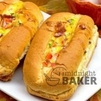 Have breakfast for dinner with egg boats! Scrambled eggs and bacon cook right in the roll. Breakfast For Dinner, Breakfast Recipes, Quick Healthy Meals, Healthy Recipes, Healthy Food, Rotisserie Chicken Seasoning, Egg Boats, Brown Sugar Pork Chops, Meatloaf Sandwich