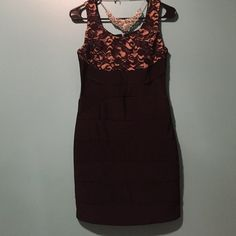 Fun and flirty dress size medium  Size medium dress (fits like a 7). Length is shown in photos. Great for a night out on the town! Dress zips up the back Ruby Rox Dresses Midi