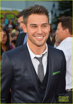 ryan-guzman-step-up-revolution-premiere