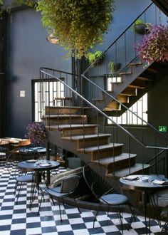 Romita Comdedor Restaurant designed by Rodrigo Espinoza and is located in - Architecture and Home Decor - Bedroom - Bathroom - Kitchen And Living Room Interior Design Decorating Ideas - Interior Tropical, Patio Interior, Restaurant Interior Design, Interior Exterior, Interior Architecture, Apartment Interior, Small Restaurant Design, Green Apartment, Bar Interior