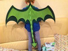 Halloween Masquerade, Halloween Kostüm, Holidays Halloween, Halloween Costumes For Kids, Baby Cosplay, Dinosaur Costume, Kids Dragon Costume, Diy Bebe, Dress Up Boxes