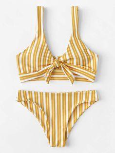 To find out about the Random Striped Knot Front Bikini Set at SHEIN, part of our latest Bikini Sets ready to shop online today! Plus Size Bikini, Plus Size Swimwear, One Piece Swimwear, Polka Dot Bikini, Striped Bikini, Bathing Suits For Teens, Bikini For Women, Bikini Pattern, Best Swimsuits