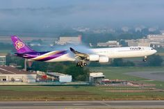 Thai A340 - Early morning arrival at ZRH airport