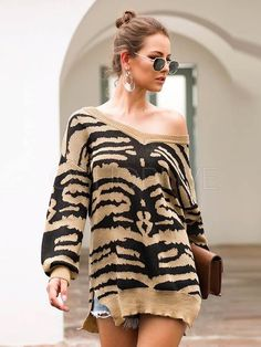 Shop Drop Shoulder Zebra Stripe Slit Hem Sweater at ROMWE, discover more fashion styles online. Loose Sweater, Long Sleeve Sweater, Fashion Sale, Fashion Women, Fashion Black, Fashion Fashion, Fashion Ideas, Vintage Fashion, Color Khaki