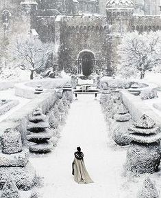 le silence des flocons 으 paysage neige hiver chateau romantic mystic gothic landscape snow winter castle schloss shnee Winter Szenen, I Love Winter, Winter Is Coming, Winter Christmas, Winter Walk, Winter Magic, Winter Formal, Winter's Tale, Snow Scenes