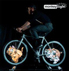 Bicicleta fija. Con movimiento.