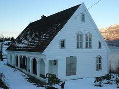 Hesthamar, 5778 Utne, Norway - Bolig for sorenskriveren i Hardanger 1723-1790. Oppført 1723.