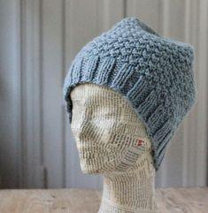 Støvet gråblå hue i strukturtern - susanne-gustafsson. Knitted Hats, Winter Hats, Beanie, Knitting, Creative, Diy, Inspiration, Converse, Breien
