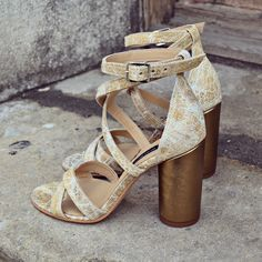 #the5thelementshoes #rosettishowroom #leather #sandals #bronzegold #springsummer #SS2016