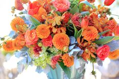 reception-flowers-orange-pink