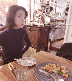 Iu Short Hair, Number One Song, Talent Agency, K Idol, Her Music, Korean Singer, Girl Crushes, How To Fall Asleep, Kpop