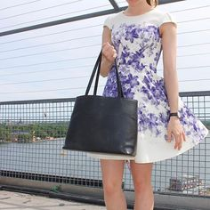 ✨www.bydansti.com✨#tote #totebag #shopper #leather #vegetabletanned #black #bydansti #summerdress #flowerprint #purple #white #baglover #girl #dress #scandinavianstyle #scandinaviandesign #veske #skinnveske #nettbutikk #svart