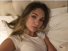 Maddie Zeigler, Cami Mendes, Just A Little, Daily Reminder, Actors, T Shirts For Women, Long Hair Styles, Beauty, Beautiful