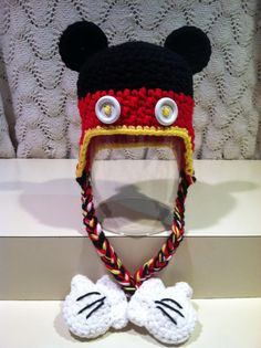 Ravelry: Crochet Mickey Mouse & Minnie Mouse Earflap Hat w/Gloves pattern by Jennifer Pionk Crochet Cap, Crochet Baby Hats, Crochet Beanie, Cute Crochet, Crochet For Kids, Crochet Crafts, Knitted Hats, Diy Crafts, Yarn Projects