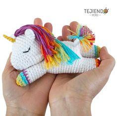 Quiero compartir lo último que he añadido a mi tienda de #etsy: Unicornio Dormilón Amigurumi / Patrón PDF Unicorn Doll, Crochet Unicorn, Crochet Bear, Crochet Animals, Crochet Dolls, Crochet Birds, Crochet Food, Knitted Dolls, Crochet Mandala Pattern