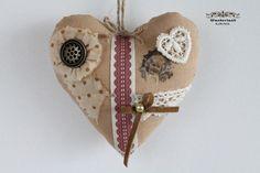 Stoff-Herz zum Valentinstag von Wunderland KIRINS  auf DaWanda.com