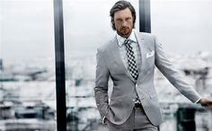 Sticking with the grey theme today, although this Hugo Boss suit has tiny pinstripes that give off the grey illusion. The pattern-mixing, es ist gut. (Gabriel Aubry, er ist perfekt.)